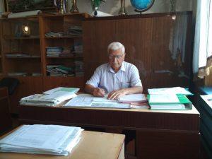 Директор Даркуш-Казмалярской СОШ Совзиханов Совзихан Джамалдинович 89882756005